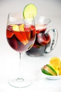 Sangria with lemon and lime. (Photo courtesy of Evan Swigart via WikiCommons)